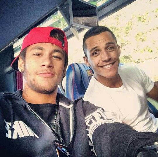 Neymar and Alexis Sanchez, the two wingers of FCB.