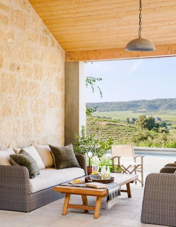 5+Envy-Inducing+Outdoor+Lounge+Areas+via+@mydomaine