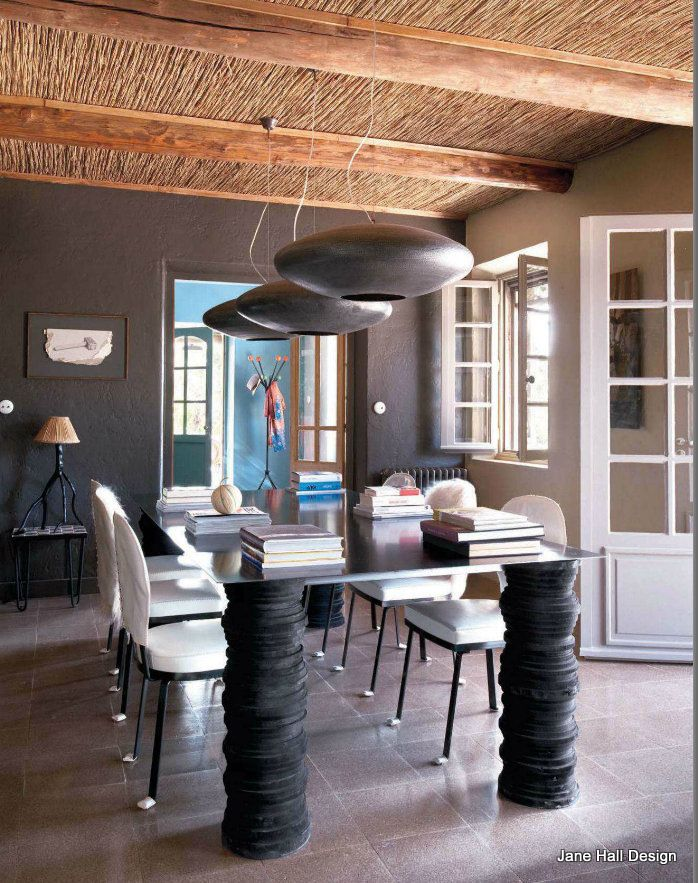 Eclectic style home in provence france featured in maison for Maison de provence decoration