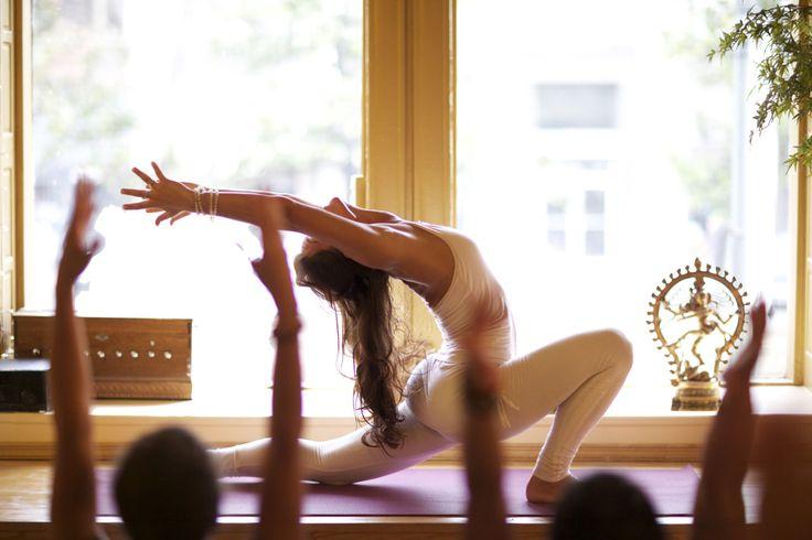 soon i will do this: Yoga Girls, Yogi Yogapose, Yoga Inspiration, Crescent Moon, Fitness Workout, Yoga Class