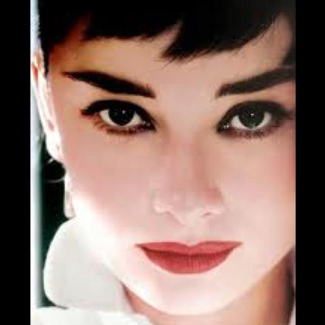 Mejores 139 imágenes de Audrey Hepburn en Pinterest   Audrey hepburn ...