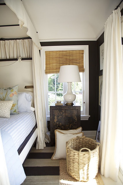 25 Best Ideas About Enclosed Bed On Pinterest Bed Nook