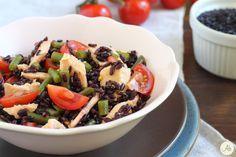 Insalata di Riso Venere al Salmone - fresca, veloce, semplice, anche salutare e completa, perfetta per l'estate, la spiaggia, il pranzo in veranda...