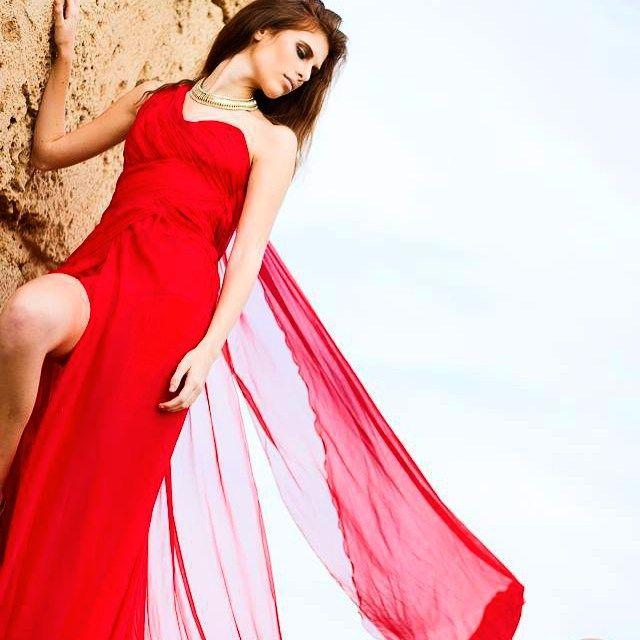 #fashion#eveningdress#voile#red#passion#model#handmade#puresilk#madeinitaly#chic#instafashion#trend#air#sardinia#picoftheday#laboratoriostilistico#