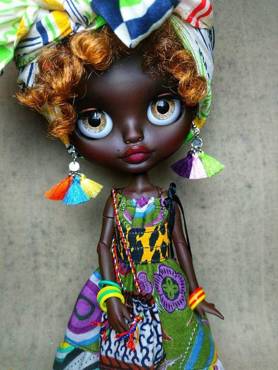 Guarda questo articolo nel mio negozio Etsy https://www.etsy.com/it/listing/575082559/ooak-customed-factory-blythe-doll