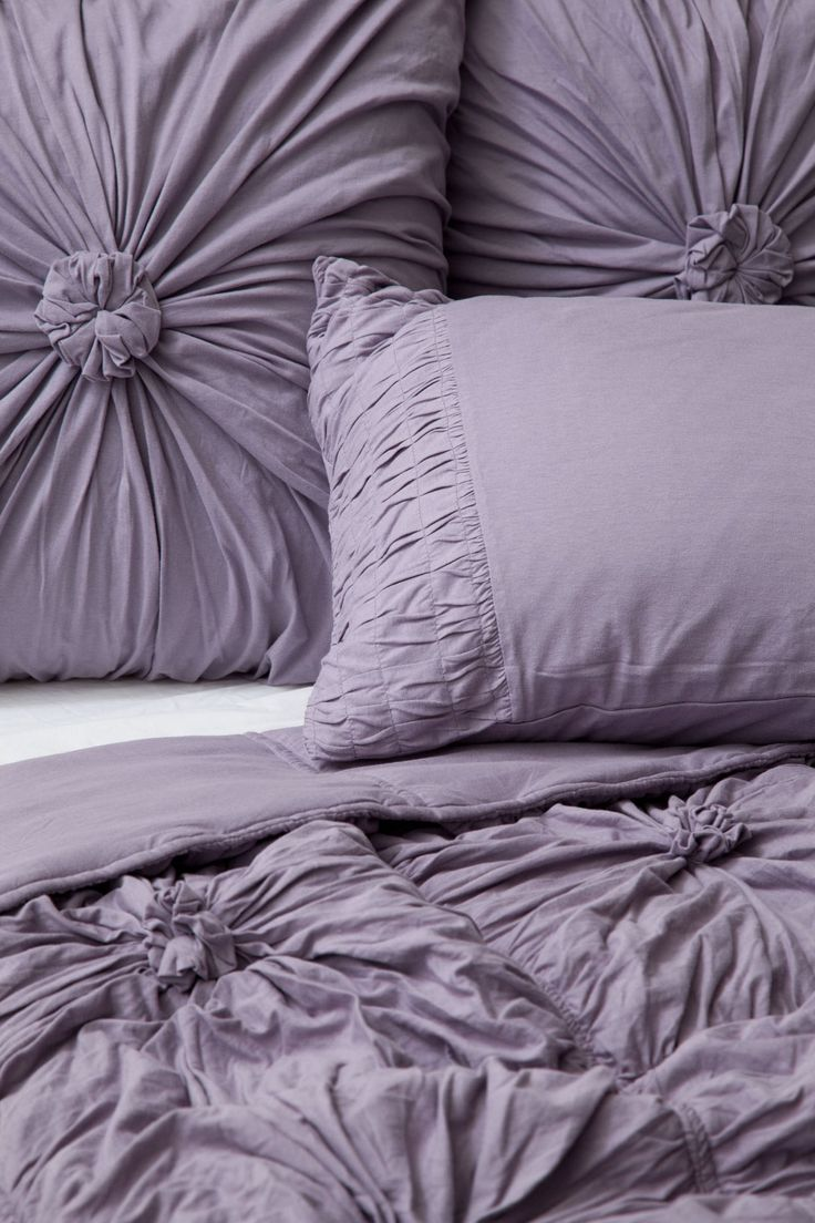 Anthropologie bedding - Rosette Quilt Anthropologie Com