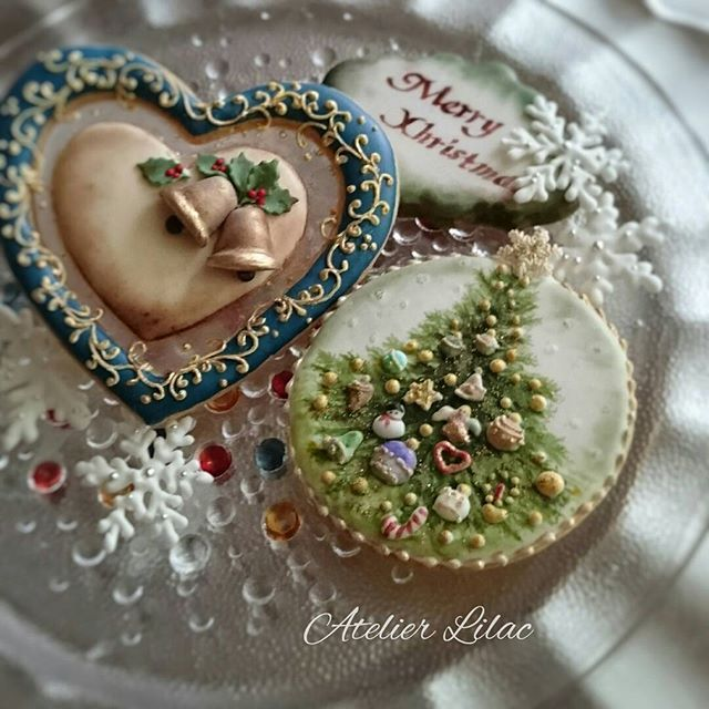 Sugar cookies intricately decorated