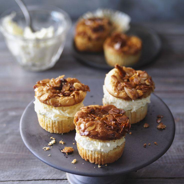Zugegeben, diese Muffins machen ein wenig Arbeit. Dafür bleibt aber auch kein Krümel auf dem Kuchenteller, und man kann sich fast den Abwasch sparen …