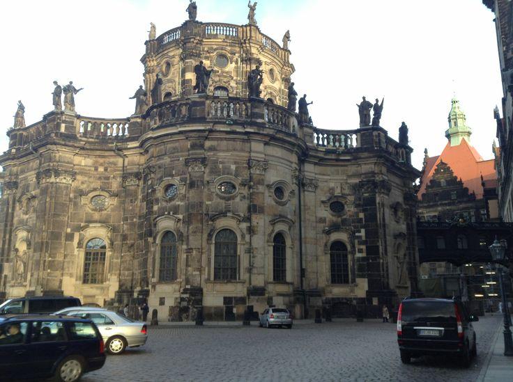 Дрезден – красивейший немецкий город в восточной части страны, столица Саксонии.