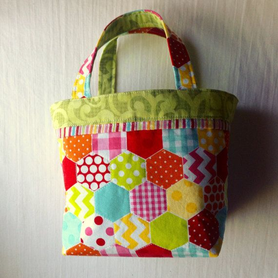 Hexie Daisy  TAAT Project Bag with handles for by QuiltMoxie