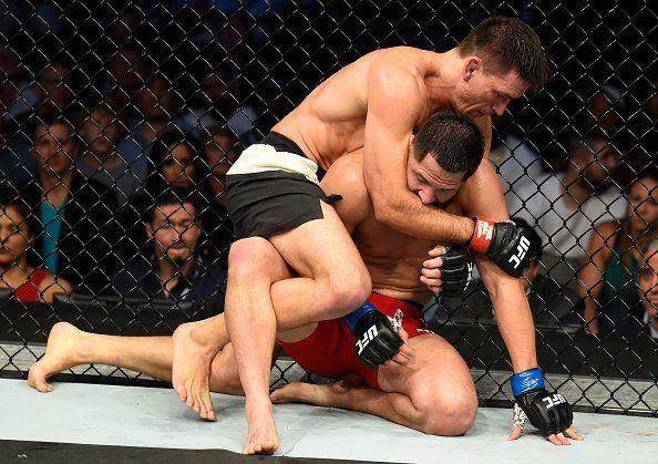 Vídeo: Demian Maia analisa vitória com o Jiu-Jitsu e chance garantida pelo título do UFC http://www.graciemag.com/2017/05/15/video-demian-maia-analisa-vitoria-com-o-jiu-jitsu-e-chance-garantida-pelo-titulo-do-ufc/?utm_content=buffer333ed&utm_medium=social&utm_source=pinterest.com&utm_campaign=buffer