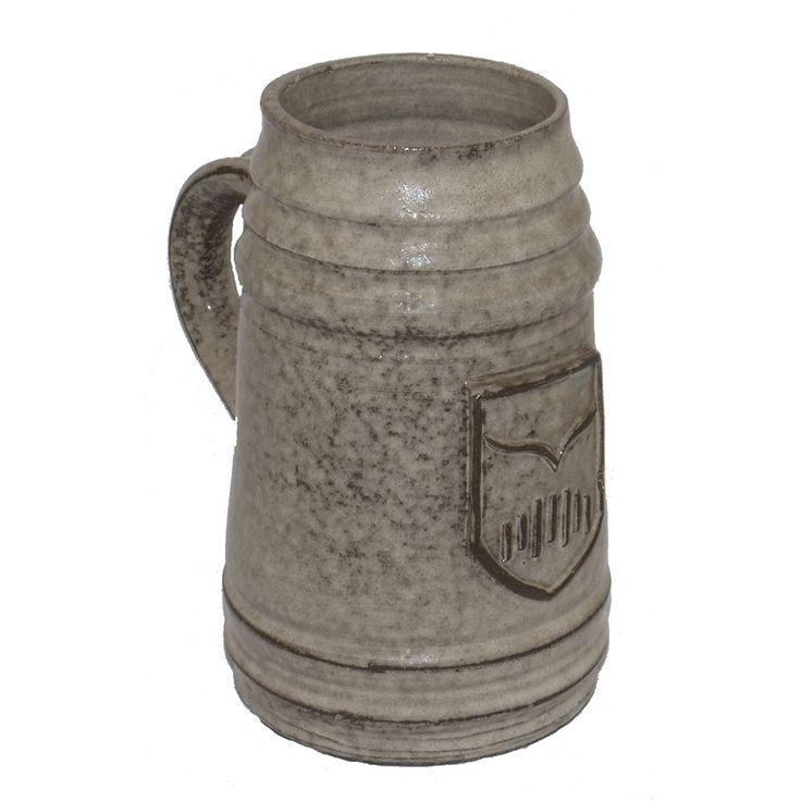 JARRA DE CERVEZA ALEMANA  REFERENCIA:  2522-3  De cerámica con escudo central.   Medidas: 17 x 14 cm.
