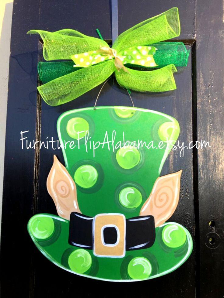 SHIPS TODAY: St. Patrick's day wooden door hanger,St. Patrick's day wreath, leprechaun hat door hanger, St.patricks day sign, by Furnitureflipalabama on Etsy