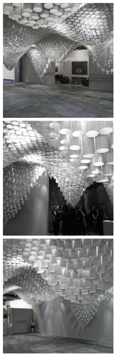 Создала эту конструкцию архитектор Кристина Парено. Благодаря светодиодной подсветке конструкции конечный результат предлагает захватывающее зрелище. #подсветкапотолка #светодиодныйпотолок #освещение #подсветка #светодиоды #светодиодноеосвещение #светодиоднаяподсветка #потолокизкартонныхтруб #освещениепомещений #дизайнсвета #светодизайн #дизайнпомещений #декоративнаяподсветка