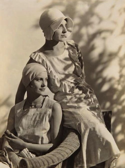 Lee Miller and Agnetha Fisher,1927