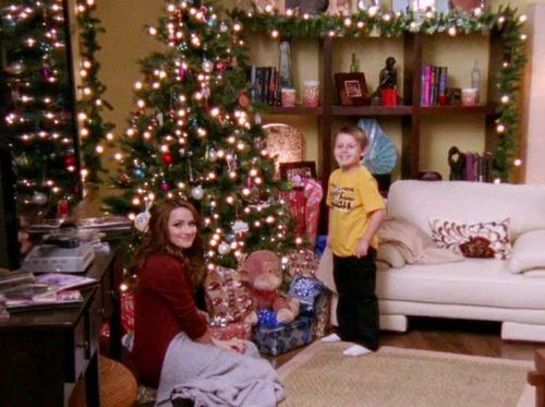 the scott family celebrates christmas in the middle of the year for haley and quinns mother whos dying of cancer in season seven of one tree hill - Christmas Tree Hill