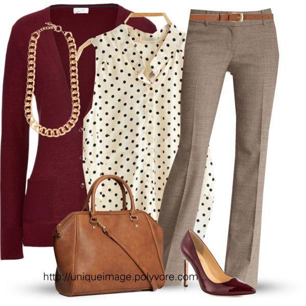 Neste nível médio de formalidade exigido no trabalho, o uso de calça é permitido, assim como algumas estampas na parte de cima do look.
