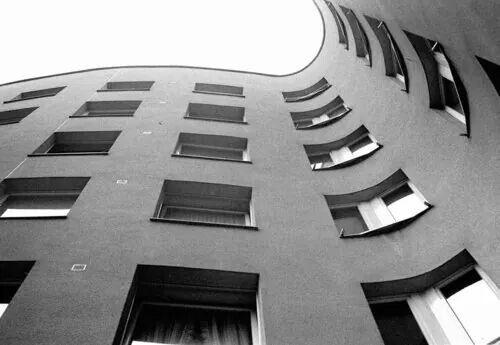 Detalhe interior, Berlin schlesische-str-7  bonjour-tristesse   by Siza Vieira