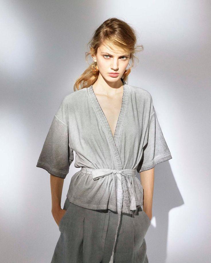 Kimono trend for the season.  #120lino #kimono #trend #style #fashion #fashionstyle #linen #linenkimono #season #outfit #outfitinspiration #shooting #shopping #milano #store #igers #travel #travelling #120percento