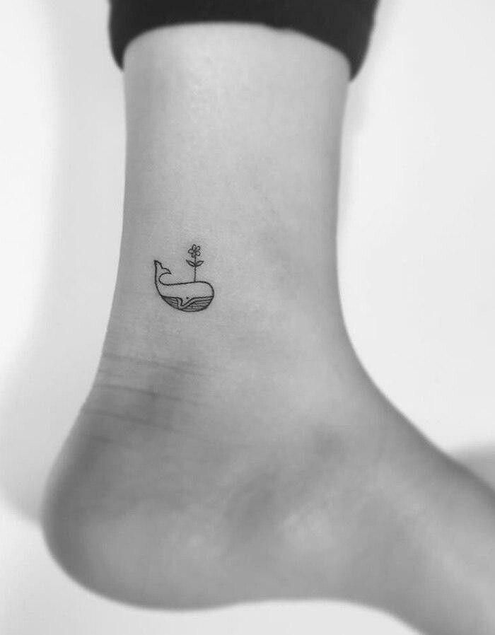 минимализм от Playground Tattoo