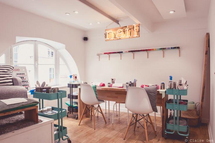Découvrez l'univers de Gloss'up Beauty Bar. Un vrai beauty bar ambiance cocooning pour vos plus jolies manucures ou vos beauty looks les plus glamours ... Prenez vite rdv : www.sur-rdv.com/...
