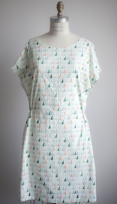 Staple Dress project from Michele Wang -- with really great tips re: tailor's tacks and lining a garment.