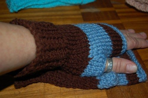 Fingerless gloves, striped, blue brown, unisex | daffydill - Accessories on ArtFire http://www.artfire.com/ext/shop/product_view/8262281