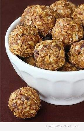Chocolate, Peanut Butter & Oatmeal Energy Balls - http://www.healthyworksnack.com/chocolate-peanutbutter-oatmeal-energy-balls/