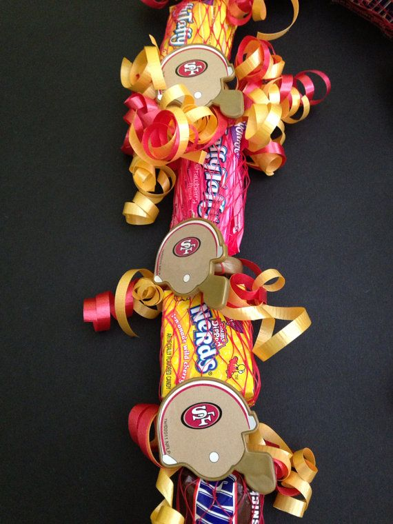 Children's 49ers Theme Candy Lei $12 Www.etsy.com  Check out www.oceanicclothingdesigns.com for more candy lei ideas