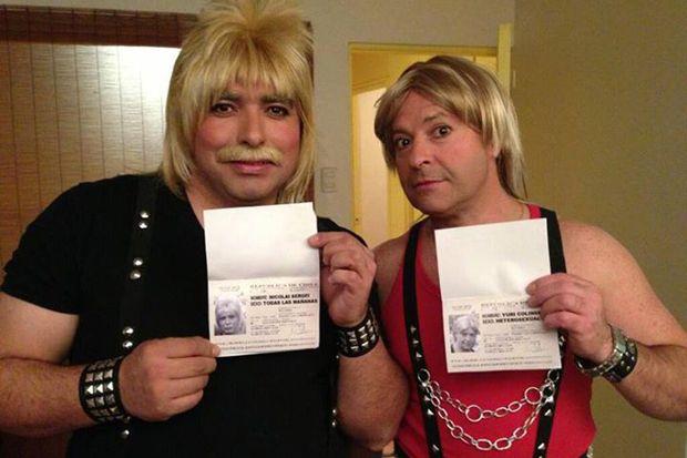 Directamente desde Rusia con amor, los Blondon Boys, heterosexuales por opción  http://www.youtube.com/watch?v=I2INv5UgxBQ=c4-overview=UUhXCMWuhoWkqkU4ya2q0Yyg