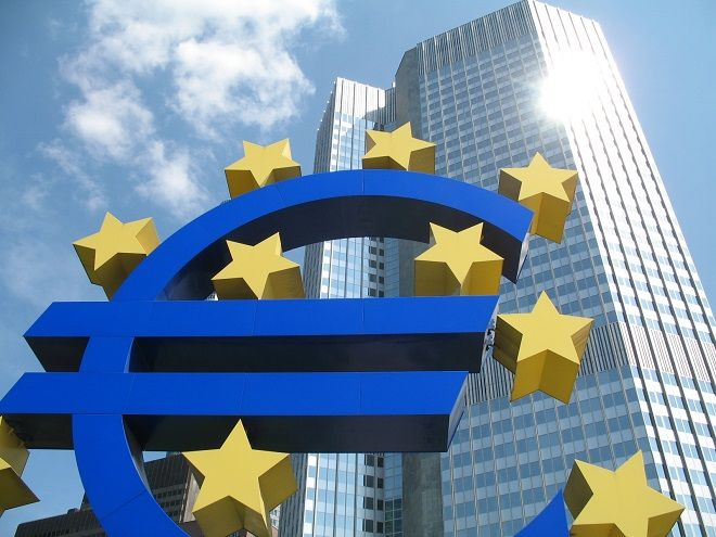 La Bce taglia il tasso 'refi' a 0,15% (da 0,25%). Tasso depositi in negativo