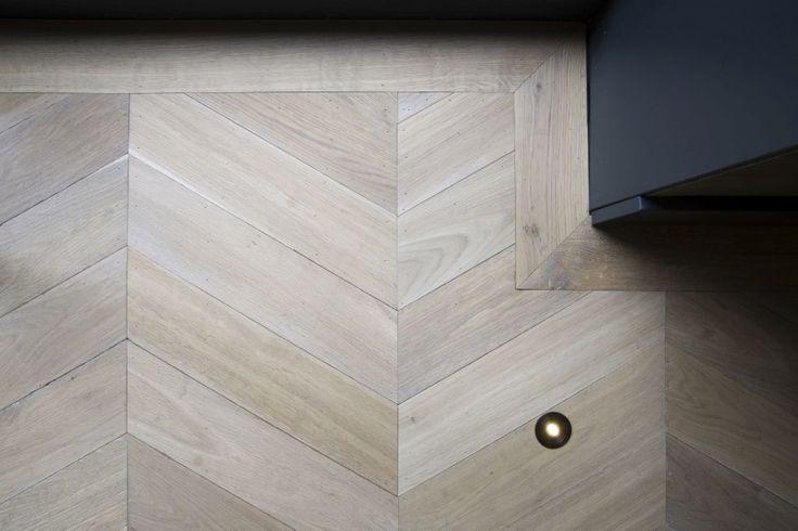 Perfect #Oak #chevron #wood #parquet #floor / #Eiken #hongaarse punt #parket +/- €125 per square meter all in.