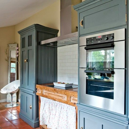 Country cottage kitchen with painted units | Kitchen