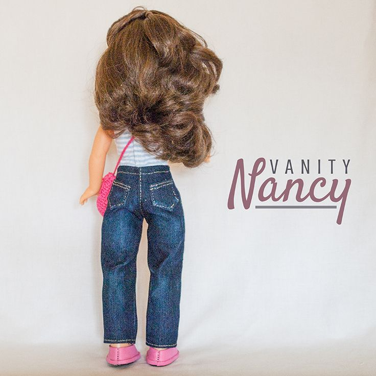 Vista por detrás del patrón de pantalón vaquero de Vanity Nancy. En talla para Nancy Colección o Nancy Clásica y Nancy New.