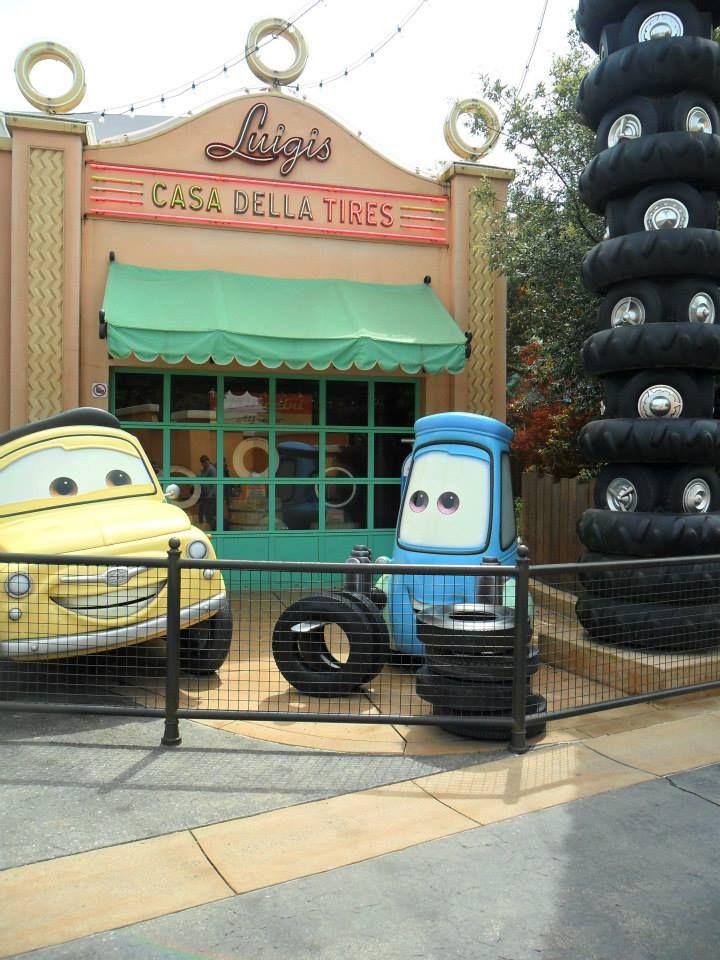 Disneyland Paris Oliver Can T Wait To Meet His Friends Next Year