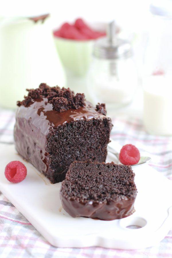 Hoy os traigo un básico imprescindible, un cake de chocolate , extra tierno, extra jugoso y extra sabroso. Y es que el cake de naranja  que...