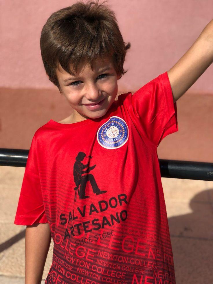Salvador artesano zapaterías patrocinador del equipo de fútbol Newton College