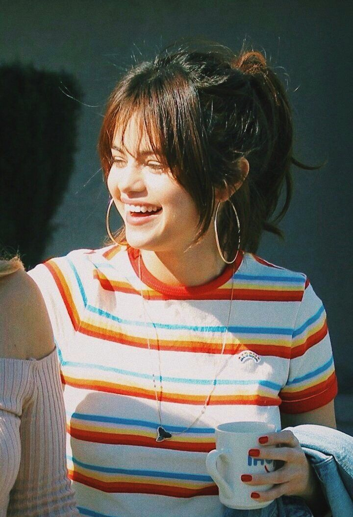 Selena has been my idol since Wizards of Waverly Place. My mom and me used to watch it a lot and we both loved/still love her. Her personality didnt change much she is still a really kind person. I just love her and to me, there is no point on hating her.