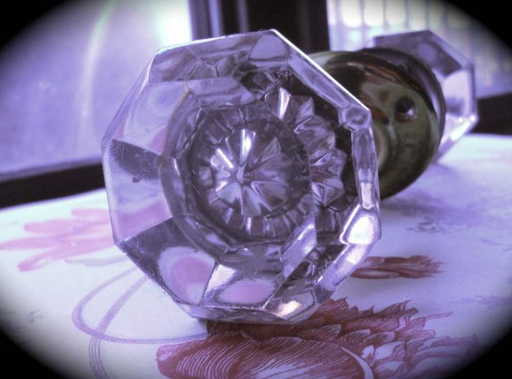 faux glass door knobs 1