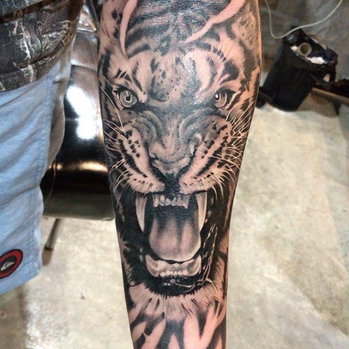 Merci de nous faire confiance. 🙏🏻 artiste de tatouage par: phai Line. : TattoobyPha …   – Tattoos