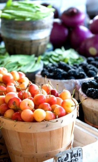 Greenmarket Tour, cherries, life in photos, farmers market, blackberries, eat local, YUM, love the baskets too