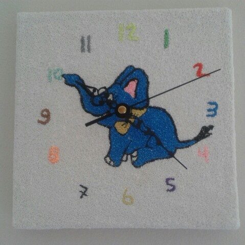 Kinderfeestje  Klok maken van canvas en foam clay.  http://evelinashobbyboetiek.nl/index.php/ct-menu-item-7