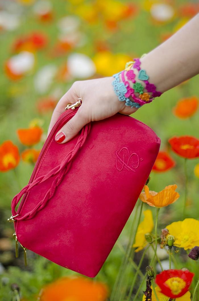 Bakarà pochette #lauracomolli #pursesandi #fashion #fashionblogger #style #red #flowers #bakara #tulips #colors #turin #ss2013 #spring #flowers #happy #cute #beauty #beautiful #bag www.pursesandi.net