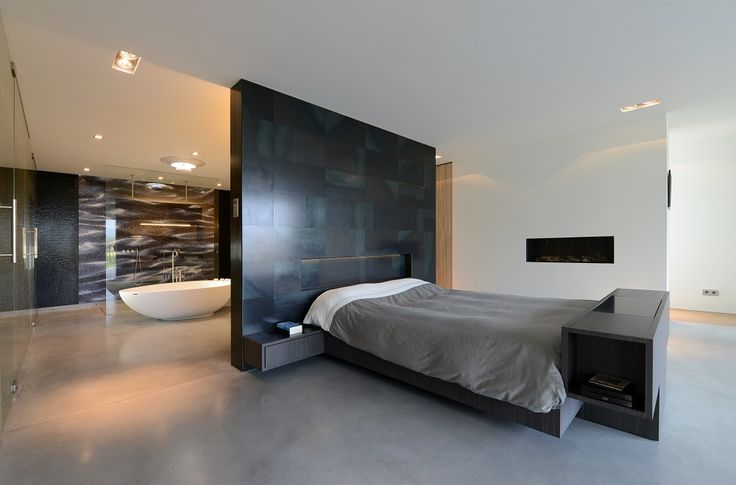 villa o luxe slaapkamer met open haard stalen wand van. Black Bedroom Furniture Sets. Home Design Ideas