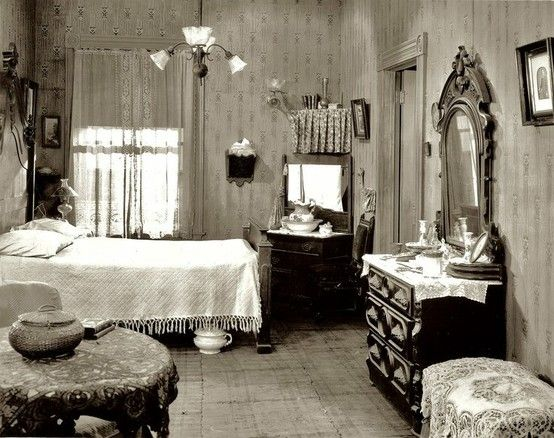 1920 39 s bedroom complete with chamber pot photos vintage for Black and white vintage bedroom ideas