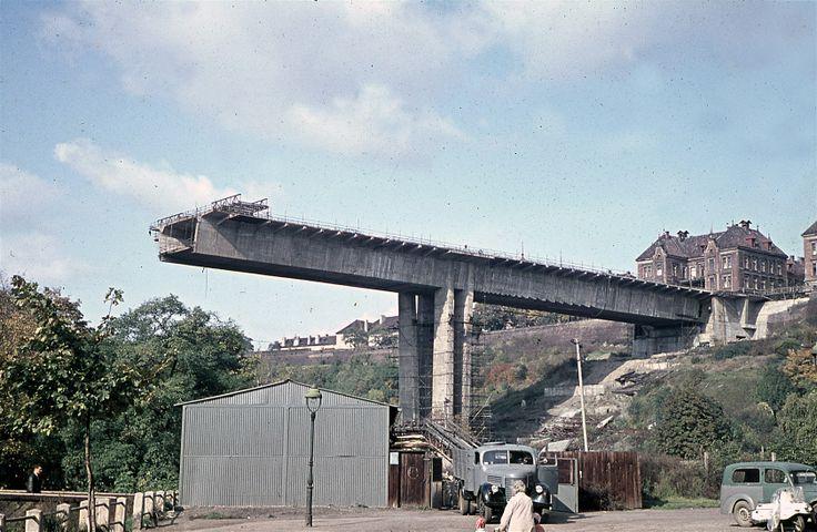 Rozestavěný most v roce 1968