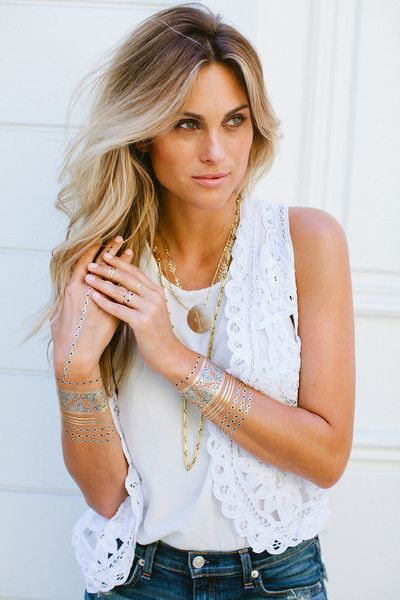 Lulu DK Indigo Temporary Metallic Tattoos are beautiful henna tattoos that can last from 4 to 6 days. Made from gold and silver, these metallic tattoos will add a chic bohemian vibe to your wardrobe for the day and night. Enhance any wardrobe with these temporary metallic tattoos and be sure to stand out at the next party or event. Why wear regular bracelets that risk damage and becoming lost when you can wear temporary metallic tattoos. #luludk #luludktattoos #metallictattoos