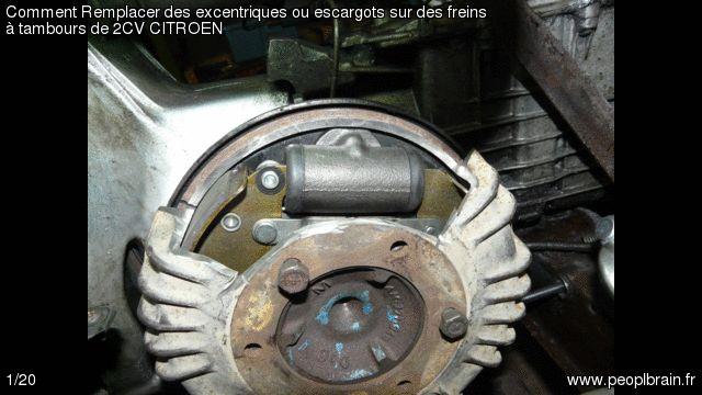 Comment Remplacer des excentriques ou escargots sur des freins à tambours de 2CV CITROEN? Le réglage des freins à tambours est réalisé à l'aide d'un excentrique destiné à rapproché la garniture du tambour. Mais avec le temps la rouille à tout bloqué et parfois, dans l'impossibilité de dégripper l'ensemble… Le guide complet http://www.peoplbrain.fr/tutoriaux/automobile/remplacer-des-excentriques-ou-escargots-sur-des-freins-a-tambours-de-2cv-citroen