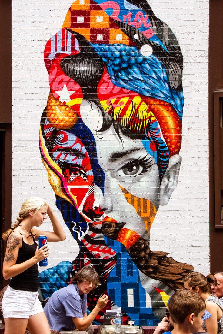 1000 images about street art sur pinterest paris art for Audrey hepburn mural