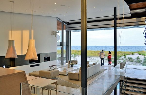 A gorgeous Long Island home with wooden Magnum 4202 pendants by Secto Design.